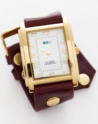 SQUARE OVERSIZE WATCH -WINE GOLD image here
