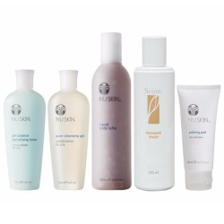 NU SKIN   QUICKSTART PACKAGE (COMBINATION TO OILY) image here