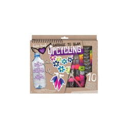 UPCYCLING PLASTIC BOTTLES image here